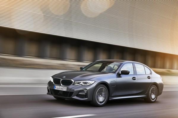 Neue PHEV-Modelle BMW 320e und 520e zu leasen