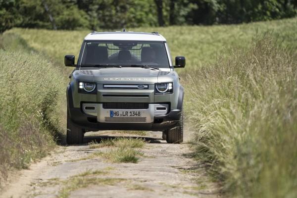 Neuer Land Rover Defender rollt an