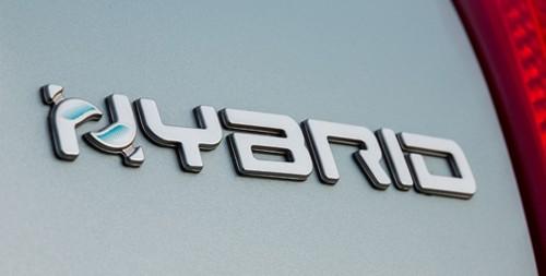 """Nachhaltig leasen: Die neuen Fiat 500 Hybrid und Panda Hybrid """"Launch Edition"""" schonen die Umwelt"""