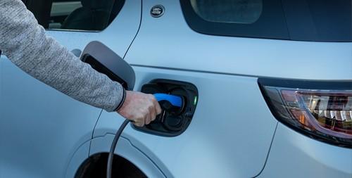 Land Rover-Leasing mit zwei neuen Plug-in Hybriden