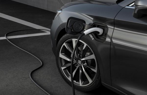 SEAT Leon jetzt auch als Plug-in-Hybrid im Leasing